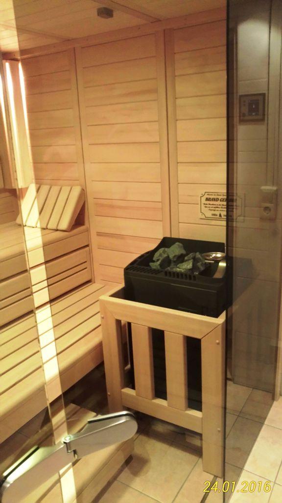 sauna erfahrungen und meinungen unserer kunden. Black Bedroom Furniture Sets. Home Design Ideas