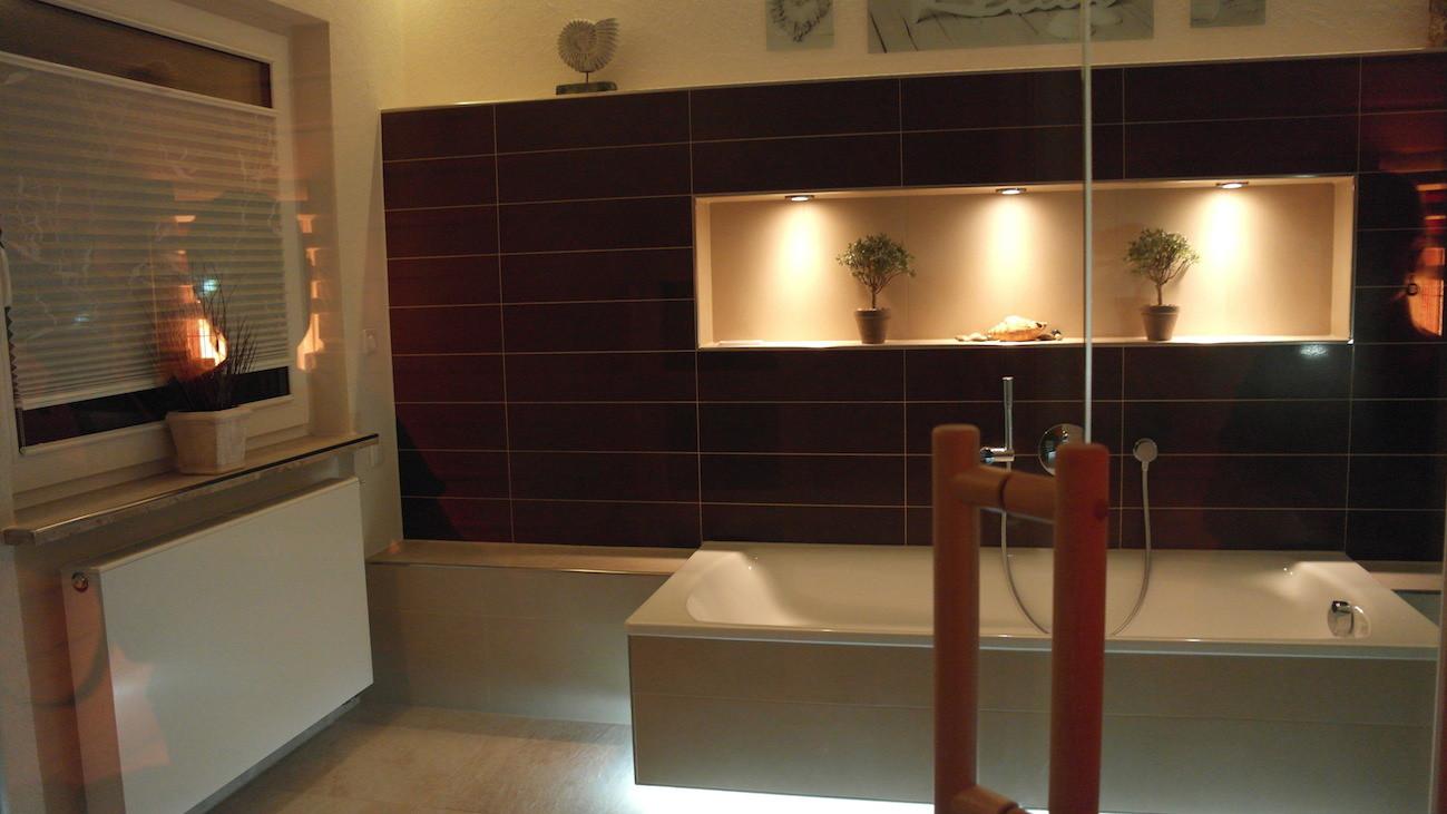 Foto eines Projektes aus 2014. Modernes Bad eines unserer Kunden mit Infrarotkabine